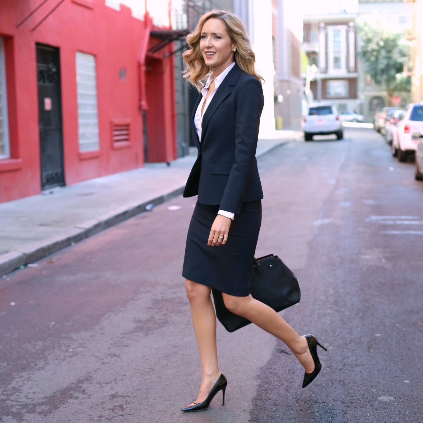 Fashionable office attire for women 29